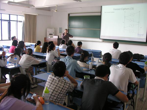 英国布鲁奈尔大学Thomas Jhon Owens教授做客学院